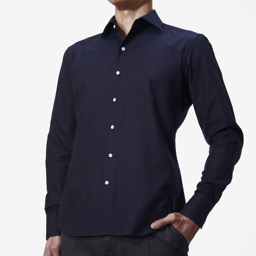 The Classic Dobby(navy) シャツ着用