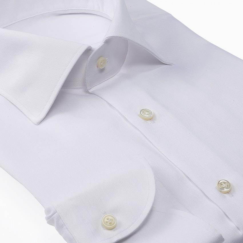 The Dressy Herringbone(white) シャツ斜め